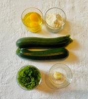 Ingrédients simples et de saison pour réaliser des galettes de courgettes